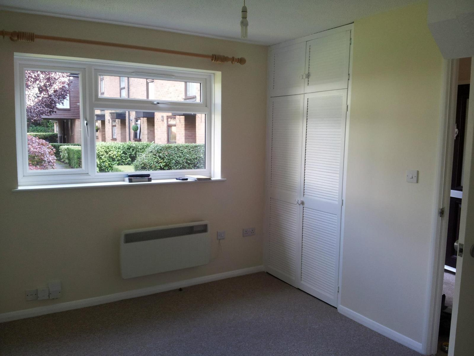 One-bedroom-house-in-Aldershot-1