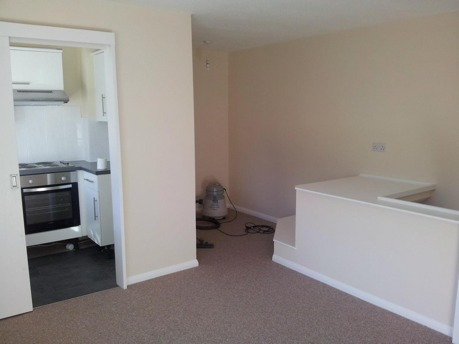 One-bedroom-house-in-Aldershot-6