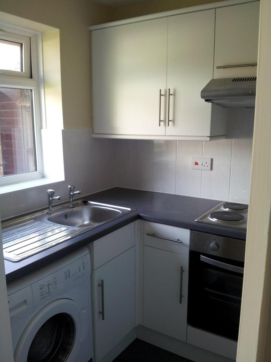 One-bedroom-house-in-Aldershot-7